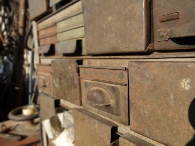 drawers_old_rusted_tool_container_box_handle-1226462